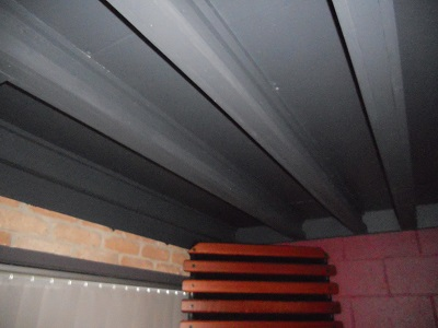ceiling beams with rails 1